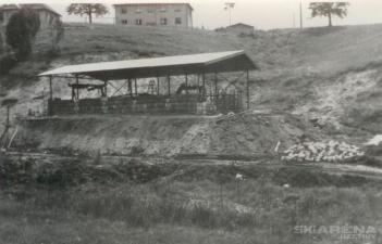 Špičák výstavba dolní stanice vleku 2 1966